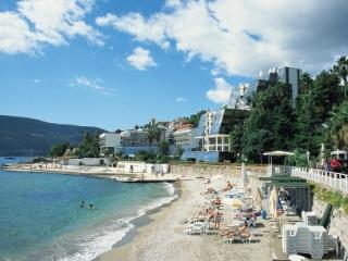 Central, close to the beach, Savina