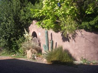 Private casita on working organic farm., Hotchkiss