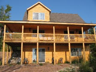 3BR 2BA Log Home on Lake Michigan in Central U.P., Garden