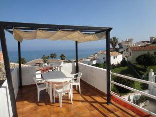 3 Bed Villa Beach Front, Pool, Wifi, Fuengirola, Mijas