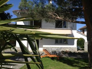 VILLA D'AZUN IDEAL CYCLING SKIING TRECKING BASE, Argeles-Gazost