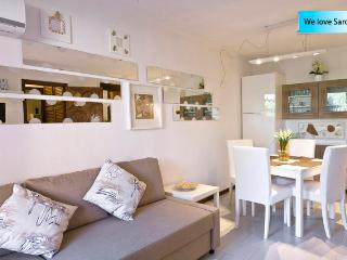 PORTO ROTONDO SARDINIA DELUXE APARTMENT WITH POOL, Porto Rotondo