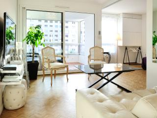 The CLOUD SIX - 70m² Central LYON, 1 to 4, Parking, Lione