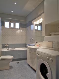 big bathroom with bathtub