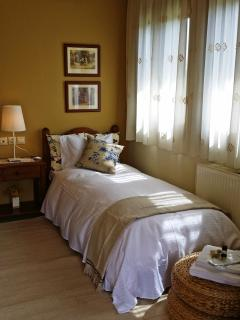 Single bedroom; it is always a plus when it comes to big families.