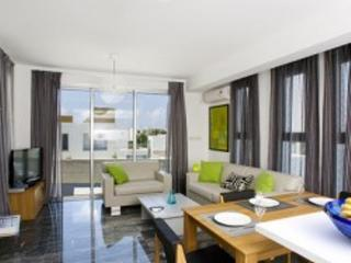 Pafos Elite Villas + Pool - #PCM, Paphos