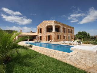 Mansion Ses Oliveres Villas2rent Mallorca