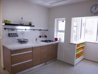 2 bedroom apartment in Bat Yam , Sokolov street