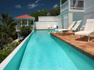 Solaris: Large Pool! Panoramic Views!