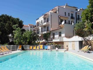 Residence Dei Fiori - Riviera Ligure - parcheggio privato gratuito, piscina, Pietra Ligure