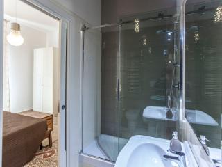 Ensuite bathroom 1 with shower