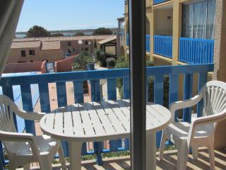 studio  cabine pour 4 à 30m de la plage