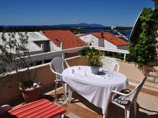 Peaceful apt., beautiful view, Hvar
