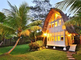 2 Bedroom Unique Villa Near Ubud - Jendela di Bali
