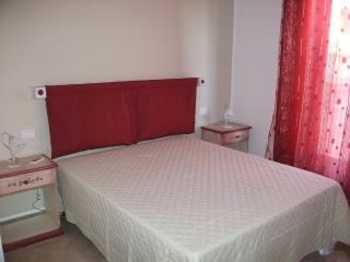 Residenze La Matrice - Holiday Apartment Red