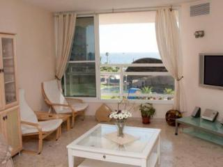 Two bedroom apartment in the center of Bat Yam