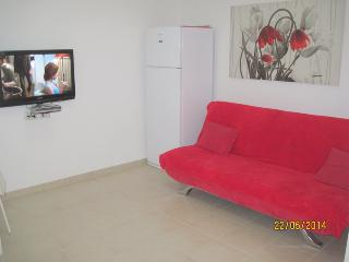 Apartment in Haifa near the beach, Costa del Carmelo (Hof HaCarmel)
