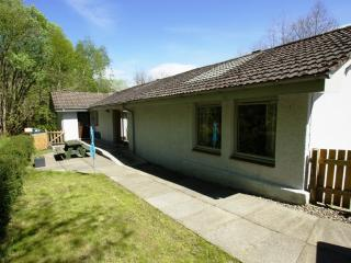 Allt Beag, Lochearnhead - spacious holiday cottage