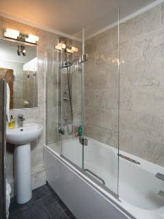 bath with tower shower