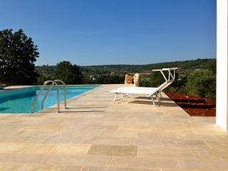 Loggia D'Itria Design Villa, private pool, wifi and air-con