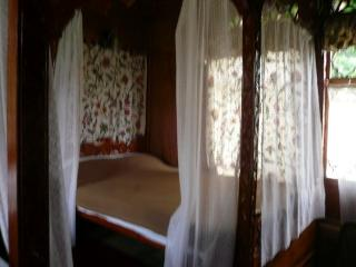 Shalimar Houseboats Room 1