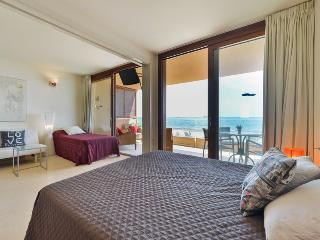 Penthouse 10m to the beach, Playa d'en Bossa