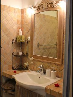 Salle de bain de la chambre Coté jardin