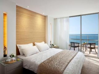 Luxury Suite Sea View Pool Gym Beach, Netanya