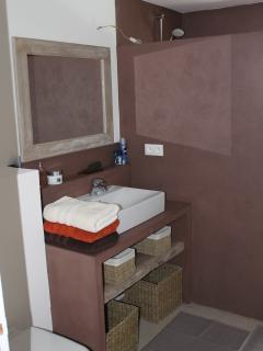 Salle de bains nr 2 avec douche