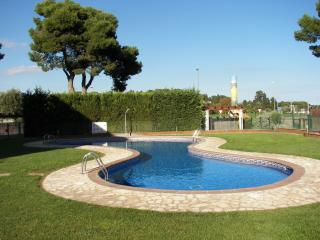 Apartment in l'Escala:private garden+common pool