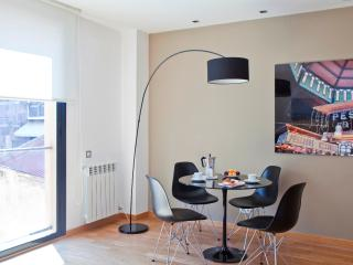 Apartment for 2-4 in Eixample