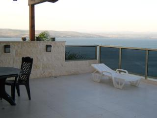 AMAZING KINNERET VIEW LUXURY  4 BED ROOM APT, Tiberias