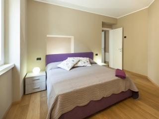LUCIA 1BR-modern in old city center by KlabHouse, Bellagio