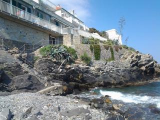 Alloggio sul mare, Cipressa