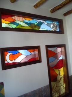 vidrieras artesanales en cuarto de baño