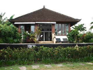 Villa Mawar Berawa in the middle of rice fields