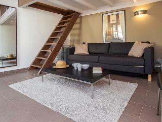Appartement rénové dans vieux Nice, Niza