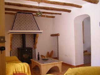 Casa Rosa de Serrana, Oria