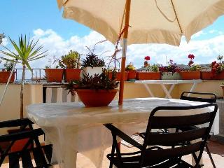 Alghero Sardinia holidays apartment see view wifi