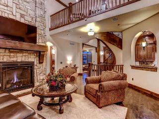 Estate at Baldy Ridge-Hot tub, pool table, theater, Breckenridge