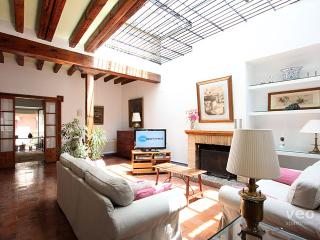 Monsalve. casa de la ciudad señorial de 12 personas en 5 habitaciones, Sevilla