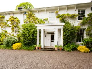 LLWYNHELIG HOUSE - Pheasantry, Cowbridge