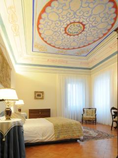 Luxury one Bedroom Apartment/suite in Palazzo Morichelli