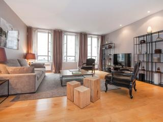 Very cozy & typically Parisian property in Saint-Germain des pres in the 6th