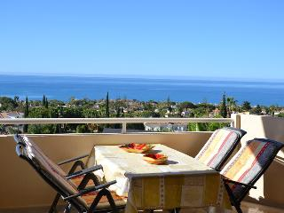 Fantastic sea-view luxury apartment in Marbella