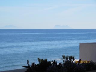 Front line luxury 2 bedrooms apartment in Estepona
