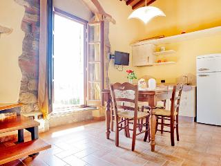 CHARMING APARTMENT WITH POOL, Cecina