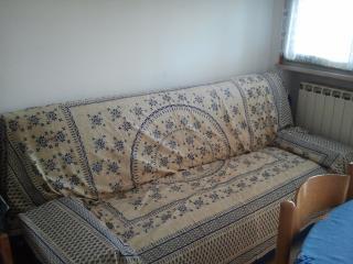 saletta con divano letto