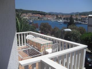 Studio with sea-view terrase D-just near the beach, Vela Luka
