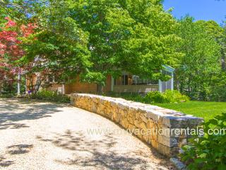 KILLY - Beautiful Village Area Summer Retreat, Tucked Away on a Quiet Street, Edgartown